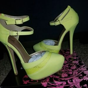 Yellow Ankle Strap Heela